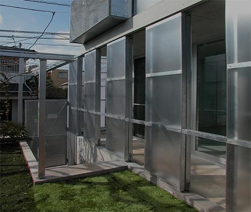 住宅の透明な引き戸